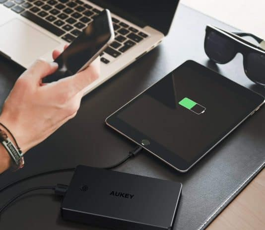 AUKEY 20000mAh in use